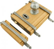 Anvil 33004 Oak Box Lock & Octagonal Knobs Pewter Patina £445.53