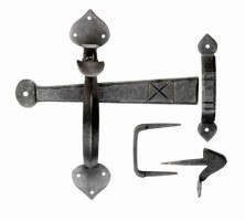 Ludlow BW5545 Gothic Thumb Latch Door Handle Set Beeswax £30.86