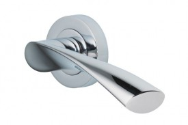 Door Handles Vision Designer Lyra Lever on Round Rose Polished Chrome 5203 £13.26